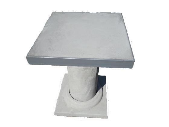 Столик вуличний