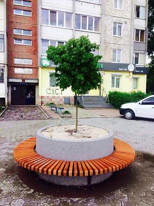 Лавка-кільце з можливістю висадки в середині дерева, квітів