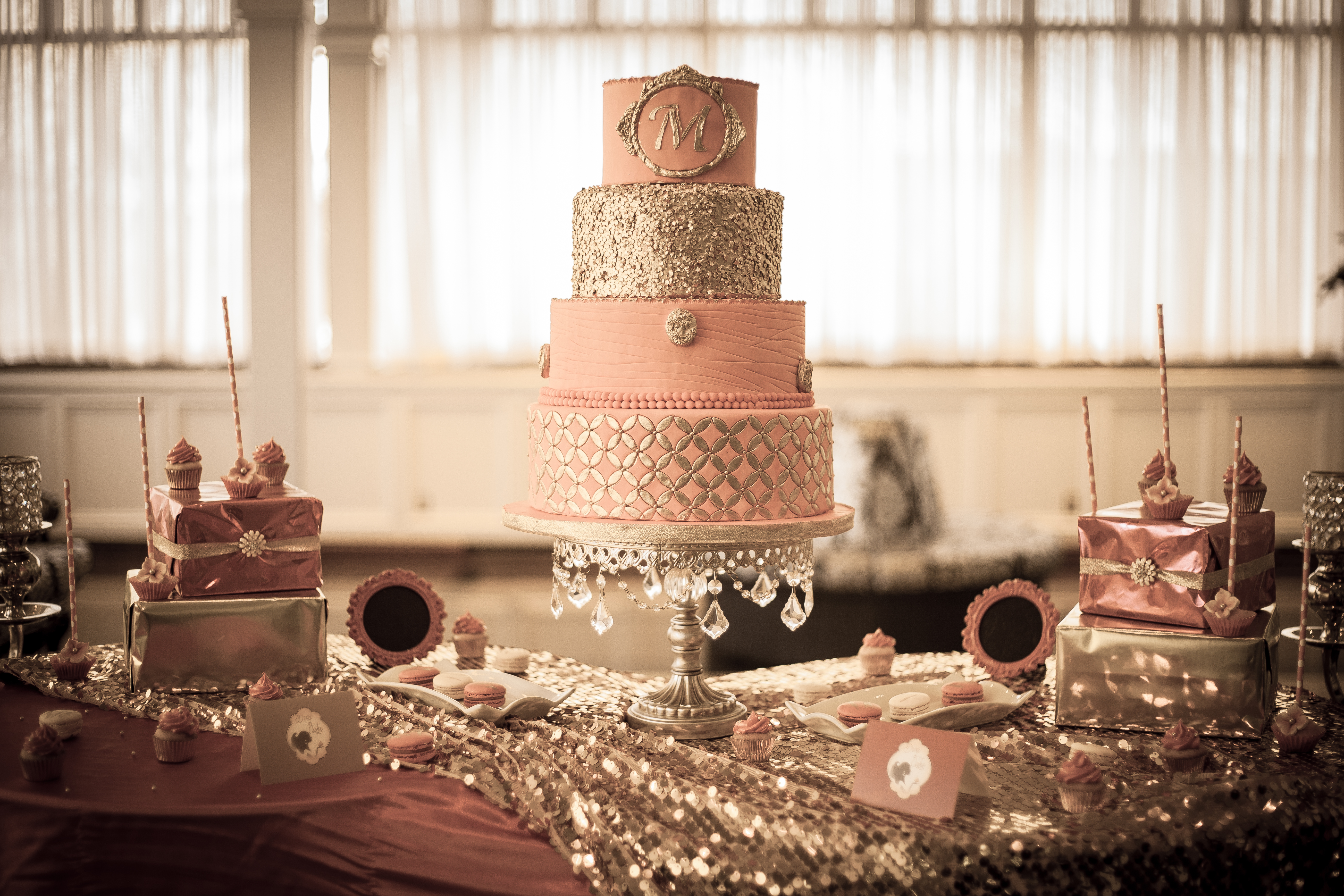 DIVA OF CAKE SWEET TABLE