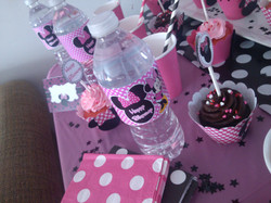 Minnie mouse sweet table