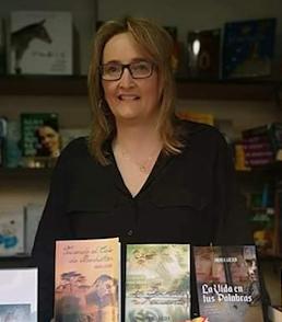 Conoce a la escritora. Entrevista a Andrea Golden