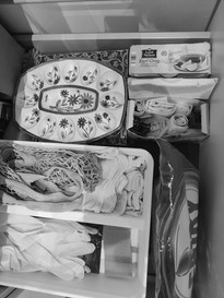 Reusing tea boxes for storing bags