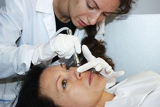 курсове по козметика, козметични курсове, курсове по грим, курсове по масаж, курсове за масажисти, курсове по маникюр, курсове по педикюр, курсове по ноктопластика, курсове по фризьорство