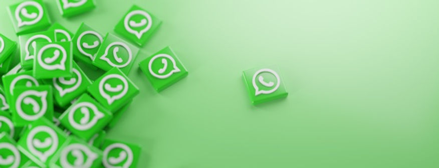 bunch-whatsapp-logos-green_1379-5031.jpg