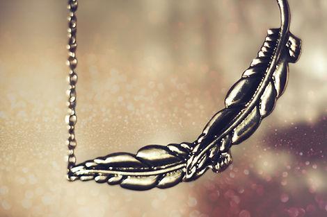 Collier de plumes