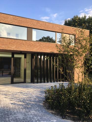 Medical Office in Genk Belgium by vlj-architecten
