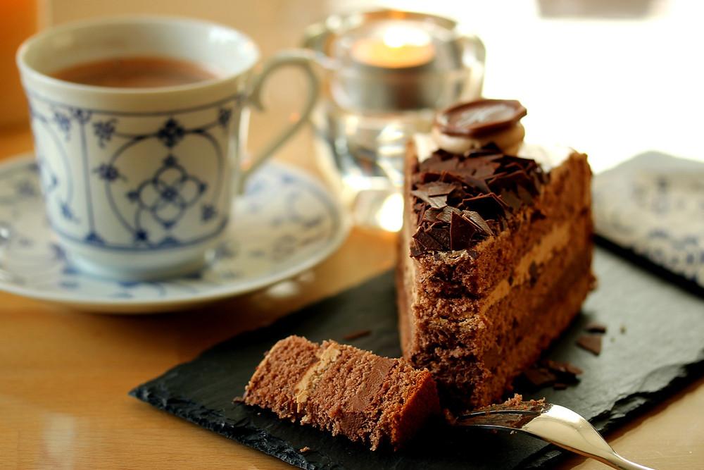 tea with dessert