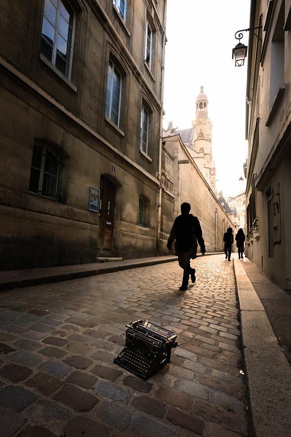 18_Rue_Saint-Étienne_du_Mont.jpg