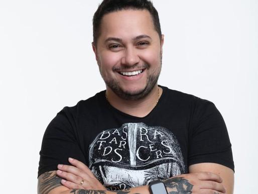 Mercado artístico: Fernando Rodrigues e seu poder em liderança de views nas plataformas digitais
