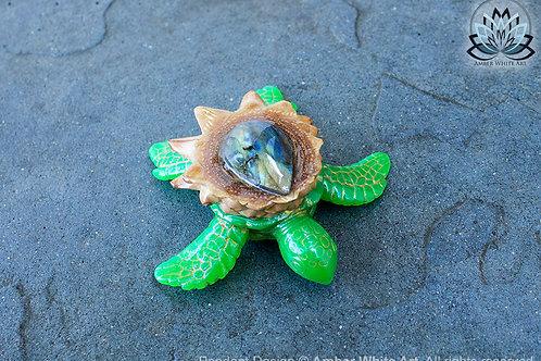 Flash Labradorite AwA Sea Turtle Pinecone Pendant - Soft Diamond Labradoritei