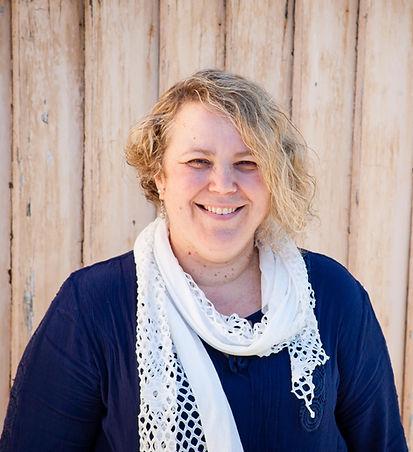 Linda, art therapist, mental health social worker, counsellor, life coaching