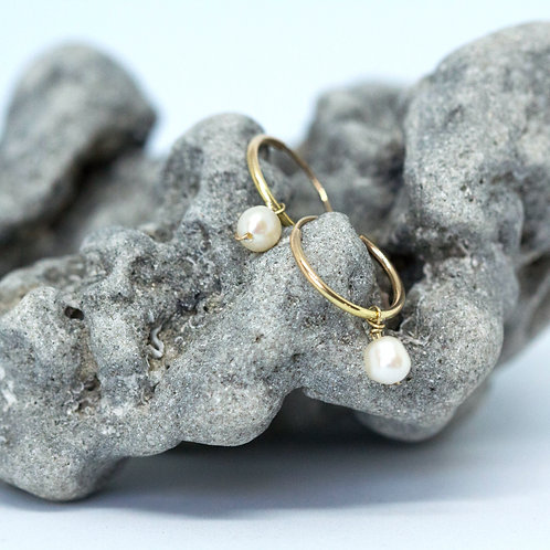 Dainty Gold Hoops with Pearl