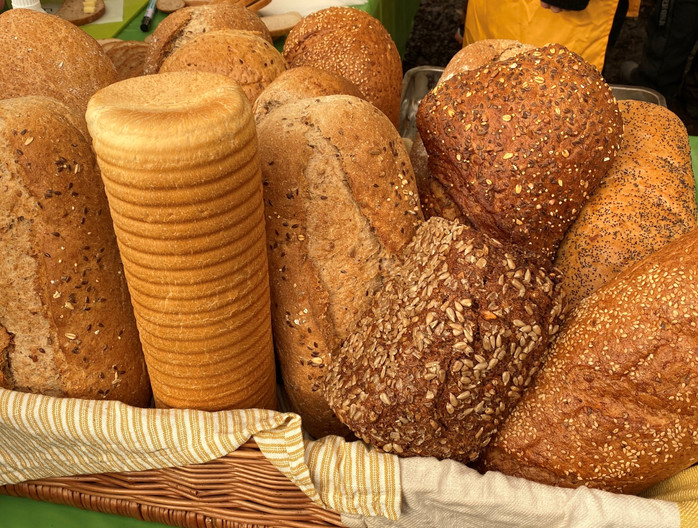 Vi må produsere mindre brød