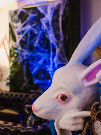 Alice-In-Wonderland-Themed-Corporate-Par