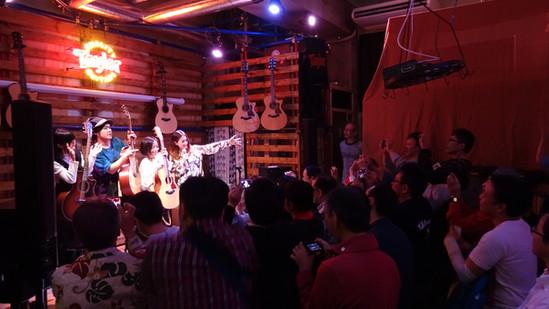 Taylor Guitars Talk & Live「歌輪ナイト」