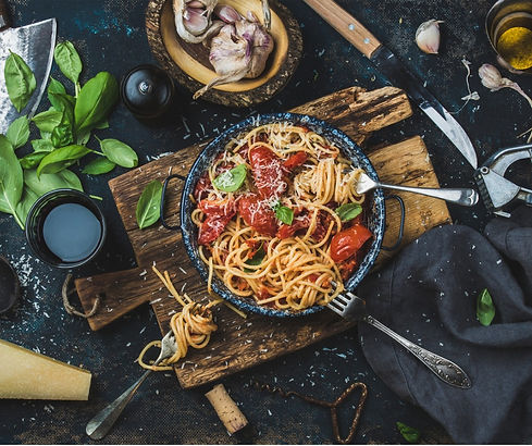 spaghetti-with-tomato-and-basil-and-ingr