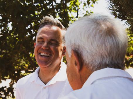 5 Ideas for Enjoying Good Conversations with Seniors