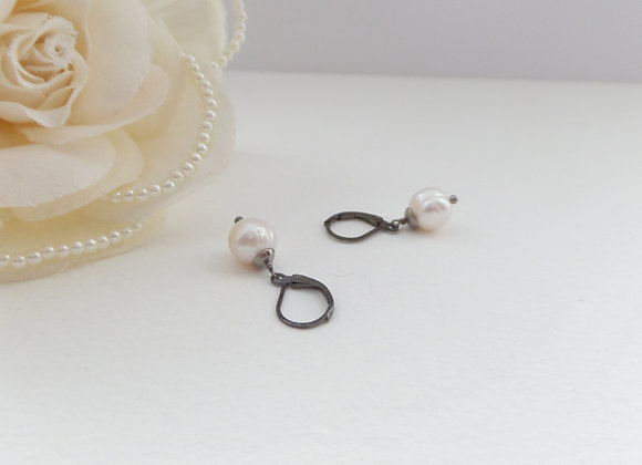 Akoya Pearl, White Pearl, Natural Pearl, Black Earrings