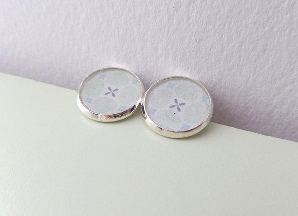 Aqua Studs, Cute Floral, Silver Daisy Stud Earrings, half inch earrings