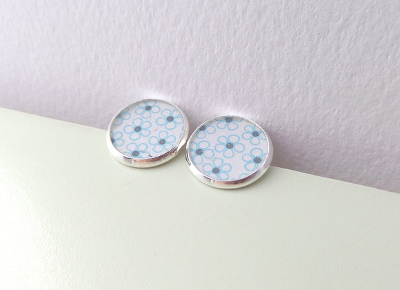 Studs, Cute Floral, Blue Silver Daisy Stud Earrings, half inch earrings