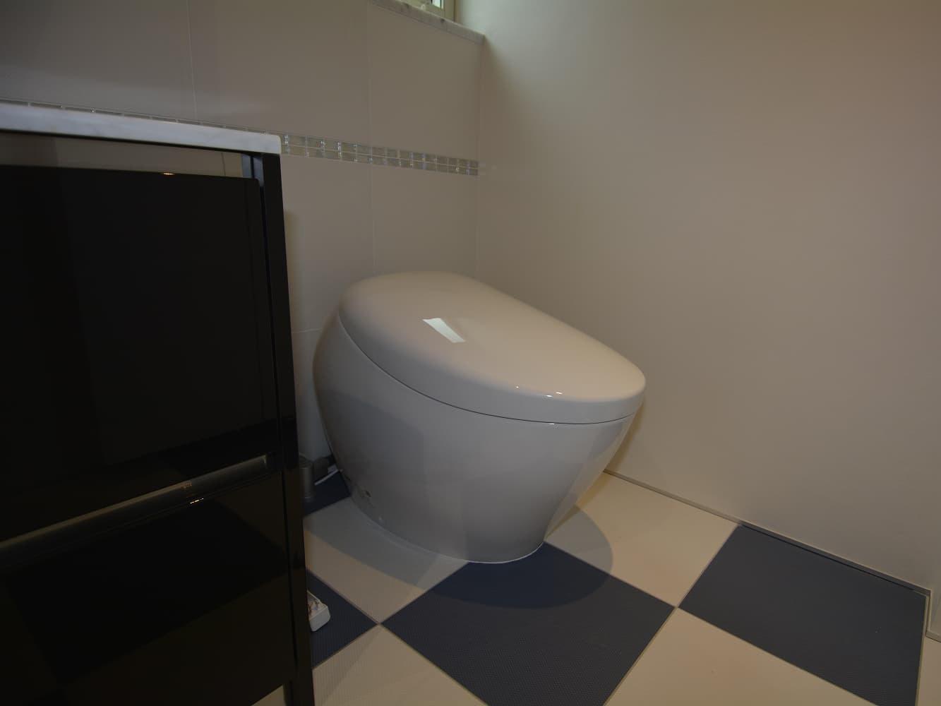 トイレ・一体型手洗い別