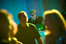 Animation DJ Discomobile animateur photobooth miroir québec événement congrès banquets mariage