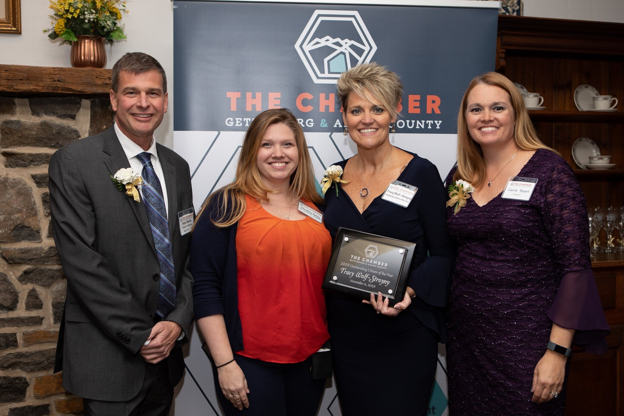 Chamber of Commerce Award Presenter