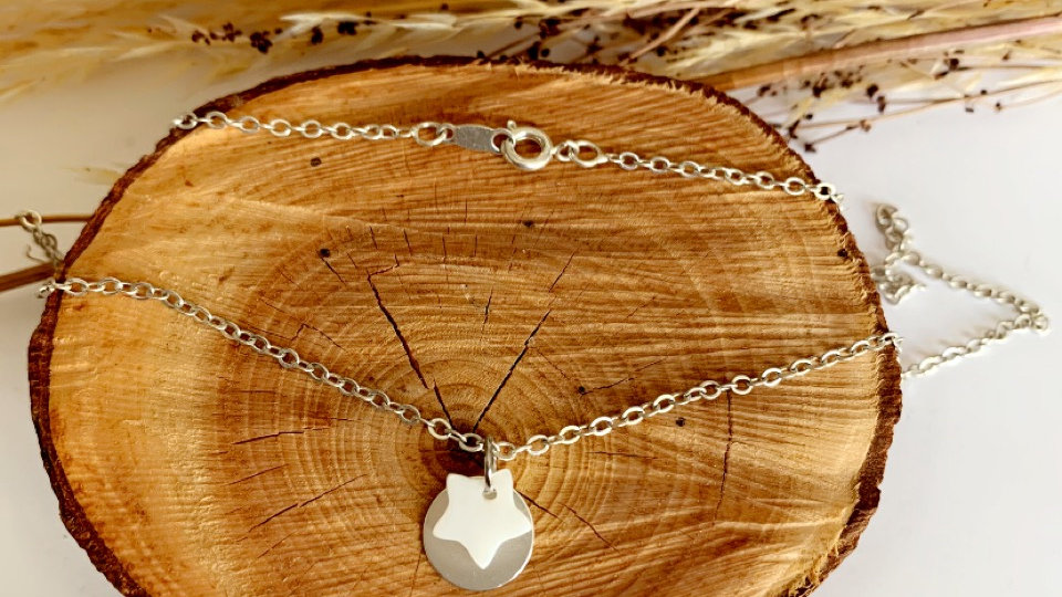 Collier CELY