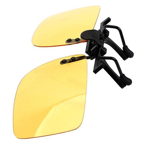 קליפ און על משקפי ראיה פולרואיד בצבע צהוב נגד סינוור בחושך By0135