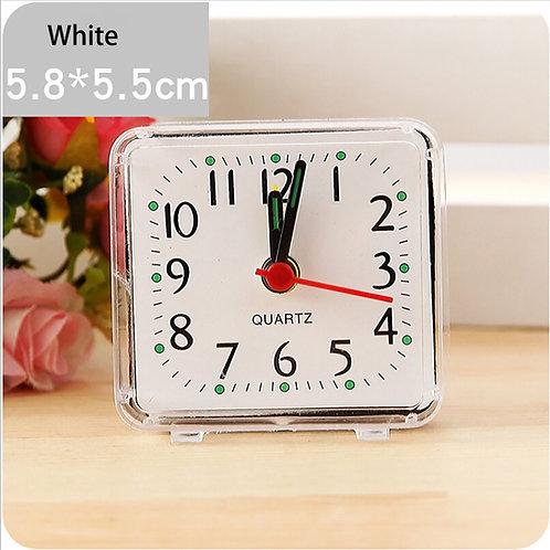 שעון מעורר שולחני מחוגים עם תצוגה מלאה