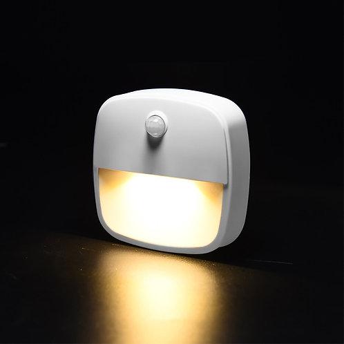 מנורה עם חיישן תנועה , מנורת לילה עם גלאי תנועה  3 נורות לד פועלת על סוללות