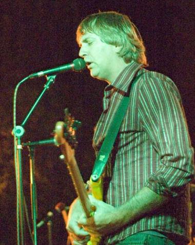 Graham singin'