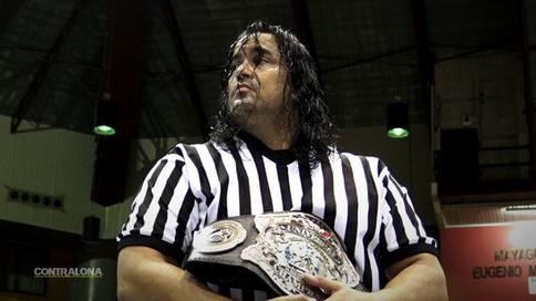 ÚLTIMA HORA: ¿'Mr. Rayting' Ray González a regresar a WWC en Aniversario 46 como árbitro esp