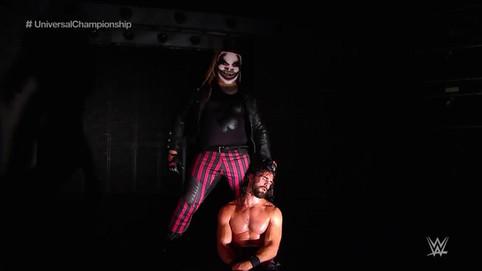 WWE Clash of Champions: Rollins retiene campeonato universal; NUEVOS campeones en pareja; Regresa Ha