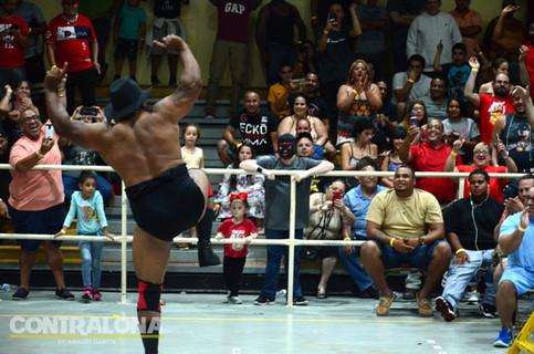 WWL confirma encuentros para evento INSURRECTION; Invader y Bronco en pareja  (VIDEO)