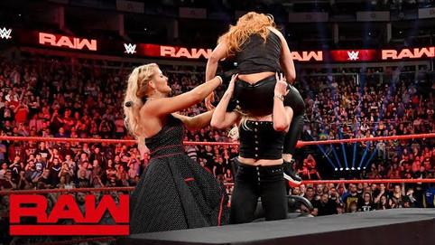 Notas de RAW: Lynch confronta a sus retadoras titulares; Wyatt presenta el lado oscuro de Firefly Fu