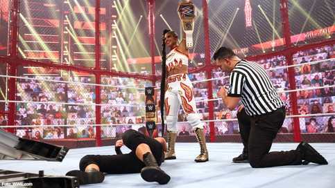 WWE Hell in a Cell: Dominante Lashley; Belair luce impecable; Rollins sorprende a Cesaro