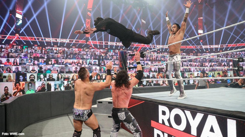 WWE Royal Rumble: Edge and Belair to WrestleMania; Bad Bunny flies through the air; Carlito returns