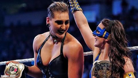 NUEVAS CAMPEONAS: Nikki A.S.H. y Rhea Ripley obtienen los títulos femeninos de pareja en Raw