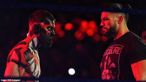 WWE: Reigns vive su peor pesadilla; Rollins aparenta acabar la carrera de Edge (VIDEOS)
