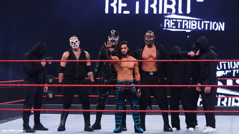 WWE RAW: Mustafa Ali se revela como el líder del grupo RETRIBUTION (VIDEO)