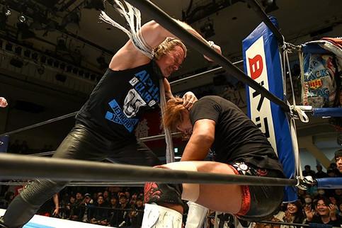 Chris Jericho ataca a Tetsuya Naito en el evento New Year's Dash de NJPW (VIDEO)
