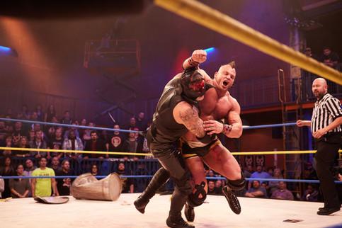 Pentagon Dark vs. Cage por el Campeonato de Lucha Underground esta noche (FOTOS)