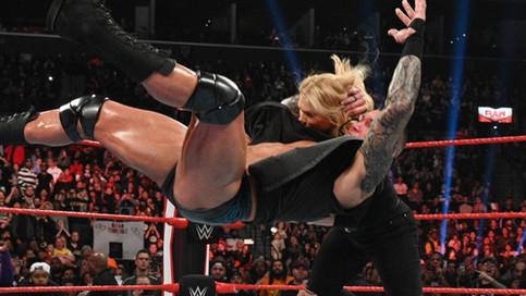 Notas de RAW: Orton le aplica RKO a Phoenix, NUEVOS Campeones en Pareja, Latinos en la estelar y más