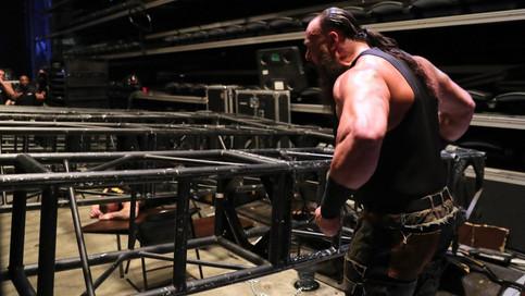 RAW: Ataque SALVAJE entre Strowman, Lesnar y Kane; Bálor Club vs. The Shield y Jason Jordan; Debuta