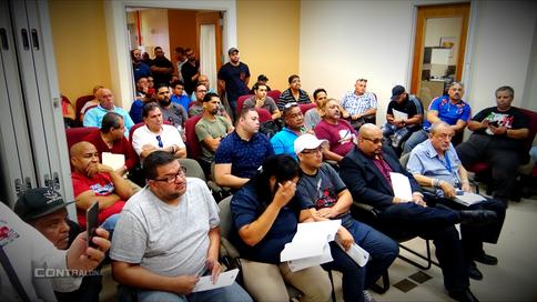 Luchadores y promotores discuten con el Departamento de Recreación y Deportes sobre nuevas licencias