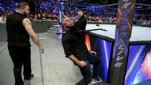 Martes de WWE: Shane McMahon masacrado; Roode y Flair ganan lucha en MMC; Alexander a la final del t