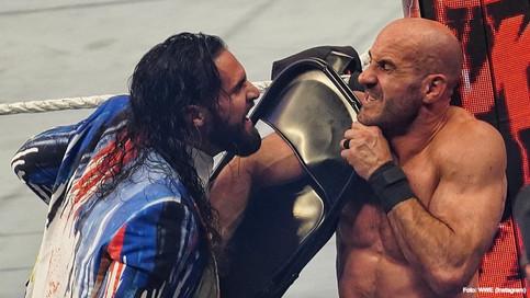 WrestleMania Backlash: Reigns derrota a Cesaro; Familia Mysterio obtiene títulos en pareja