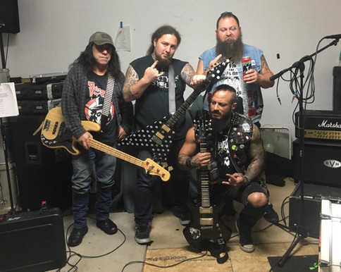 OFICIAL: Mecha Wolf incursiona al ambiente musical bajo la banda Ripper Street