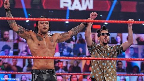 WWE: Domina Damian Priest junto a Bad Bunny a Angel Garza en RAW